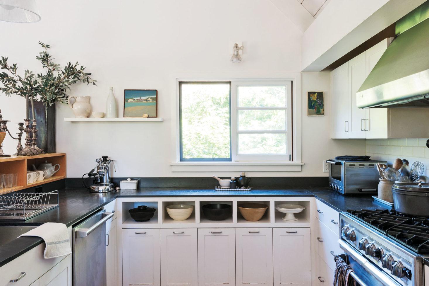 U-shaped Kitchen Layout Design